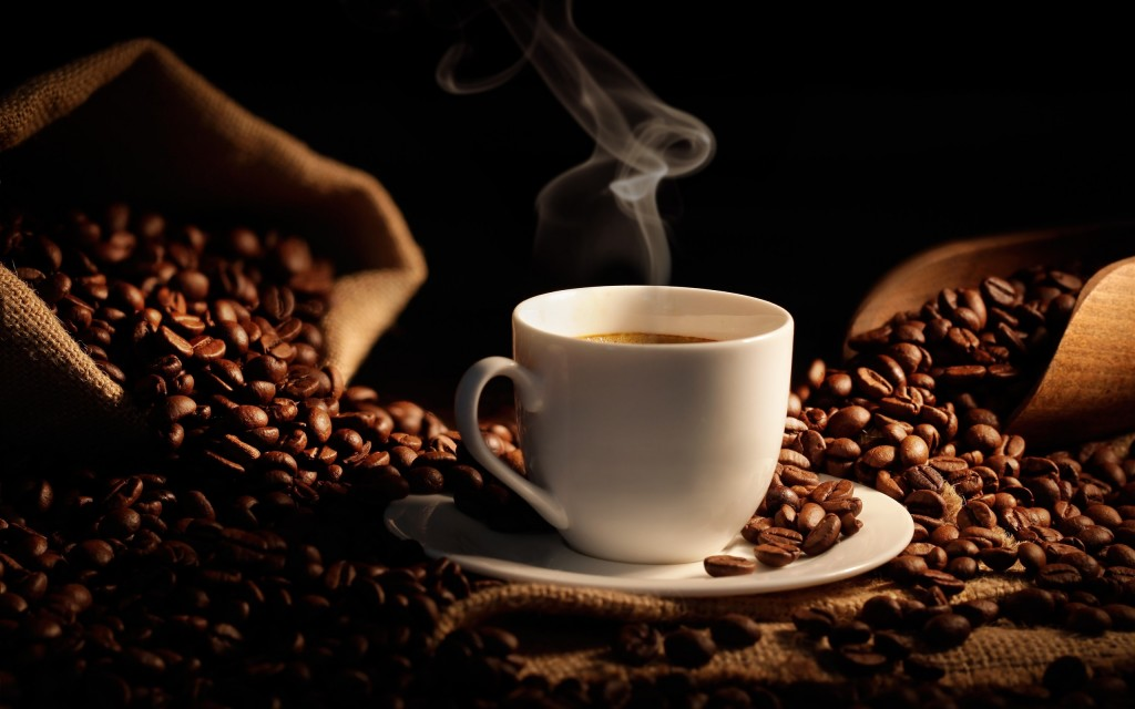 coffee-beans-hot-cup-coffee-bag_2560x1600